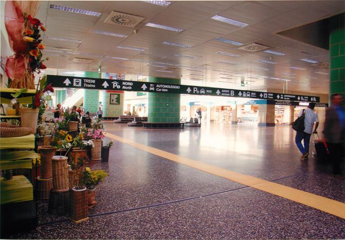 ミラノ・マルペンサ空港 花屋