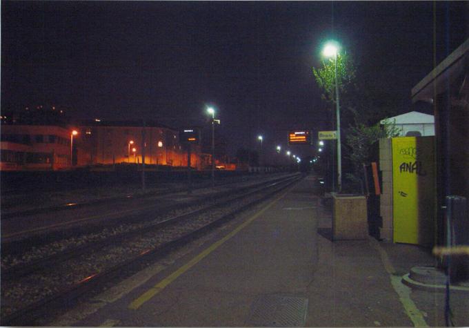 Bruzzano駅